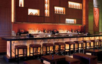 7 Extraordinary Dining Experiences Near Your Bahamas Luxury Condo